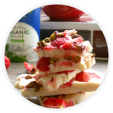 Glenisk Strawberry & Pistachio Nut Yogurt Bark